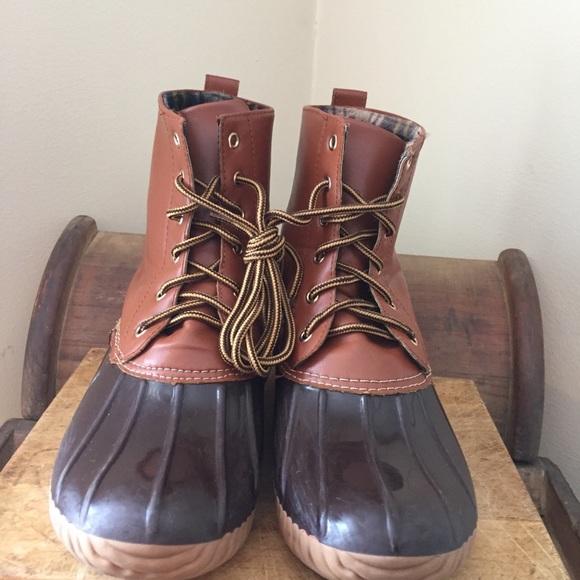 f5b341614fc TJ Maxx Fashion Duck Boots Size 8.5